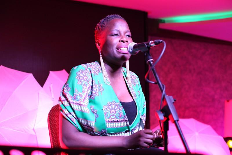 Sara Mitaru singing